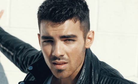 Joe Jonas Details Photo