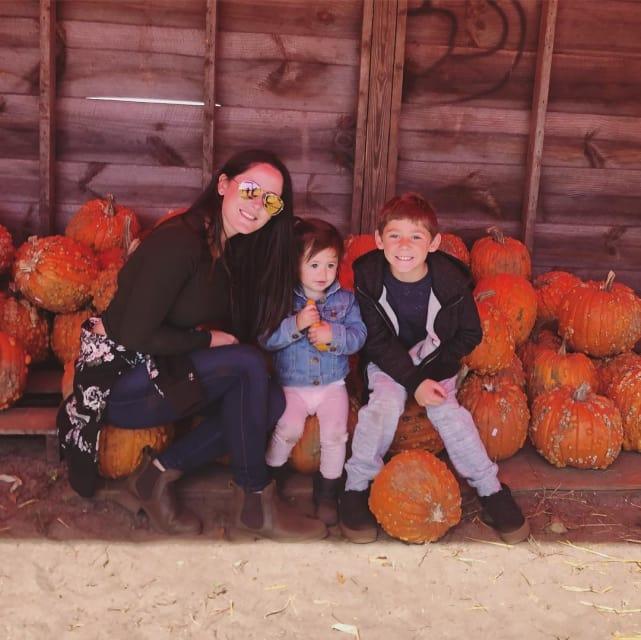 Jenelle evans with ensley jace and pumpkins