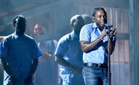 Kendrick Lamar Makes Serious Statement at 2016 Grammy Awards