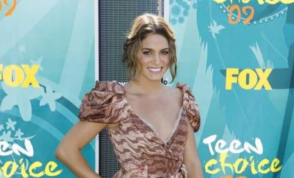Teen Choice Awards Fashion Face-Off: Nikki Reed vs. Ashley Greene