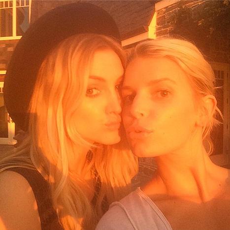 Ashlee and Jessica Simpson Photograph