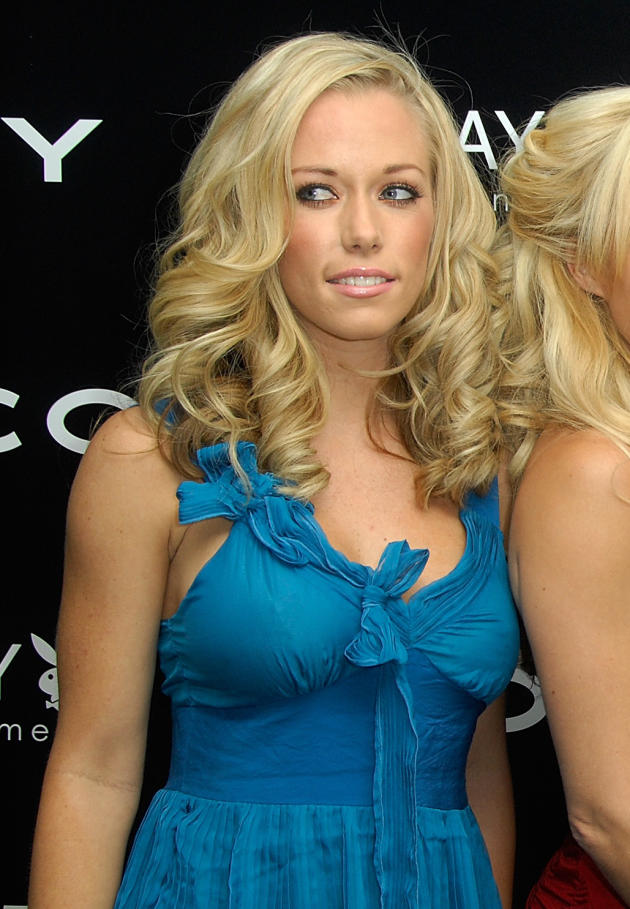 Kendra Wilkinson On Holly Madison Rant Sorry For Being border=