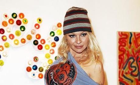 Pamela Anderson Fashion