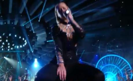 Iggy Azalea, Rita Ora VMA Performance 2014