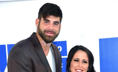 Jenelle Evans, Baby Bump Hit MTV VMAs Red Carpet Amid Pregnancy Controversy