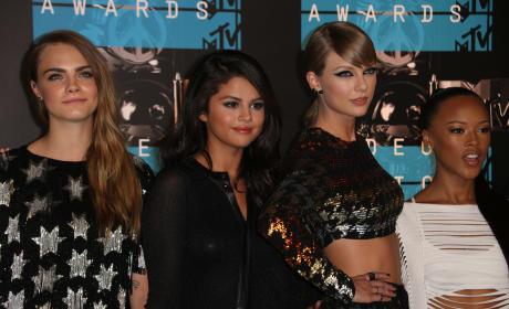 Taylor Swift, Squad: 2015 VMAs