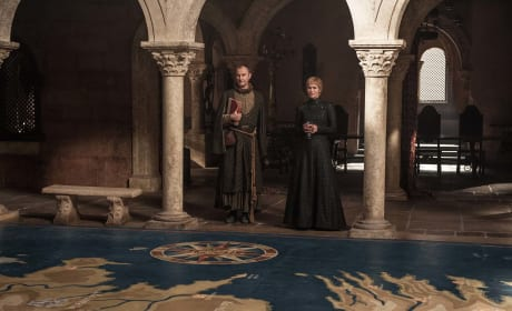 Game of Thrones Picture Preview: This Means War!