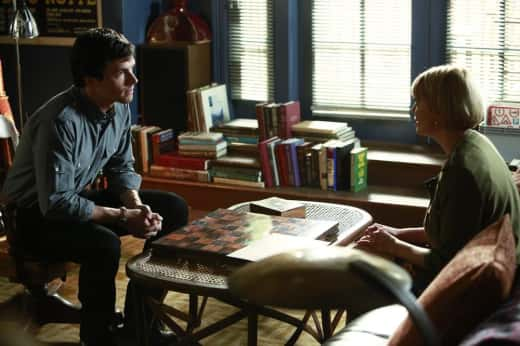 Ezra on Pretty Little Liars