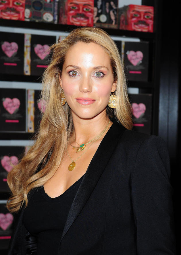 Elizabeth Berkley Picture