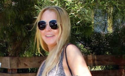Lindsay Lohan Lays Off Booze for a Week, Works for a Living