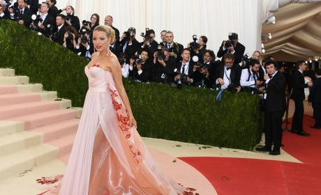 Blake Lively In Burberry: 2016 Costume Institute Gala