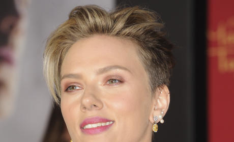 Scarlett Johansson, All Smiles