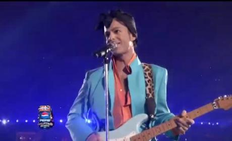Prince Performs at Super Bowl Halftime: A True Icon