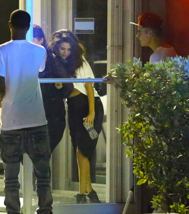 Selena Gomez Meets Up with Justin Bieber
