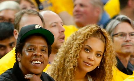 Beyonce and Jay Z at the Game