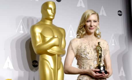 Cate Blanchett with her Oscar