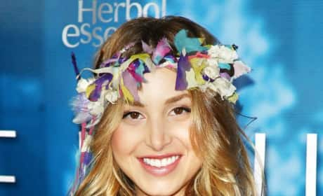 Who Wears the Headband Best: Mischa Barton or Whitney Port?