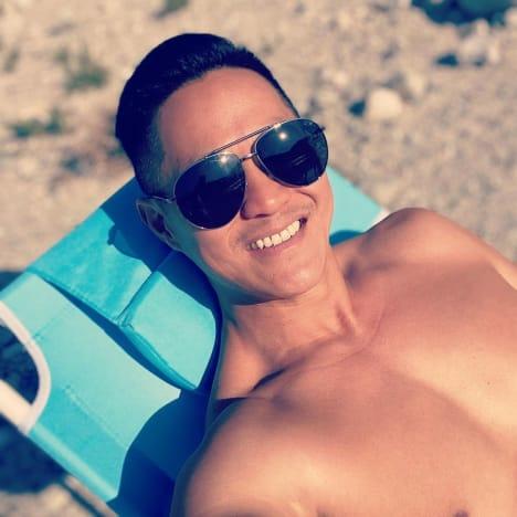 Chris Sheng Beach Selfie