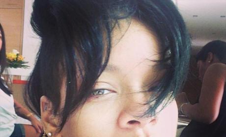 Rihanna in No Makeup