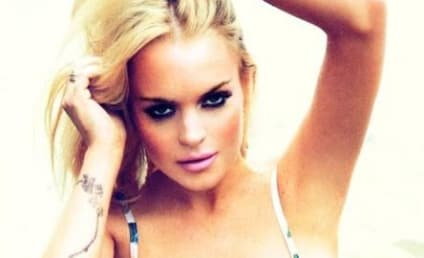Lindsay Lohan Posts Topless Selfie, Continues to Make Great Life Choices