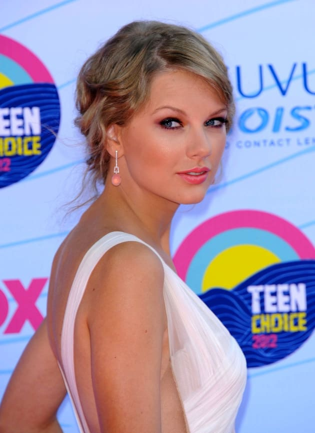 Taylor Swift Profile