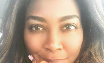 Kenya Moore Deletes Baby Bump Photo as Fans Question Her Pregnancy