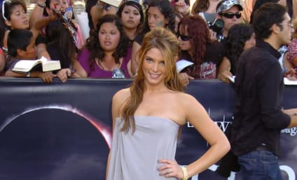 Eclipse Premiere Pretty-Off: Ashley Greene vs. Nikki Reed