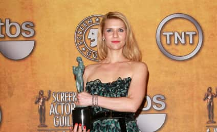 SAG Awards Fashion Face-Off: Claire Danes vs. Julia Stiles