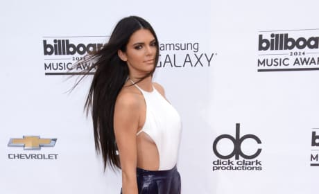 Who looked better at 2014 Billboard Music Awards?