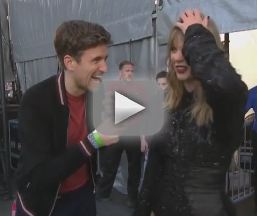 Taylor swift interviewer tells her she needs to shower and fans