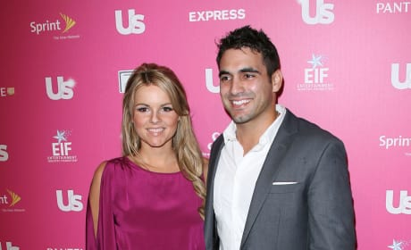 Roberto Martinez and Ali Fedotowsky Photo