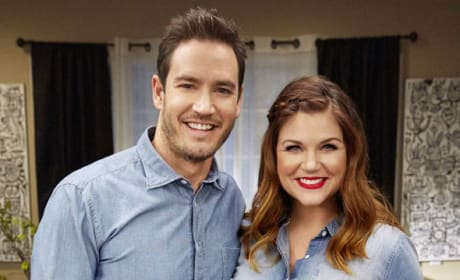 Tiffani Thiessen and Mark-Paul Gosselaar