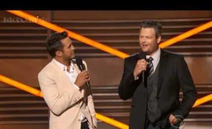 Britney Spears' Lip-Syncing Slammed By Blake Shelton at ACM Awards
