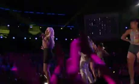 Christina Aguilera and Pitbull - Feel This Moment (The Voice)