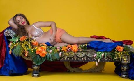 Beyonce Pregnancy Pose