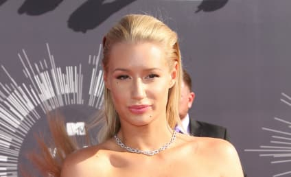 Iggy Azalea: Boob Job Confirmed By Plastic Surgeon?