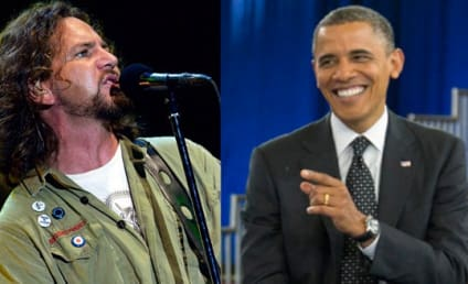 "Eddie Vedder Performs at Obama Fundraiser, Calls Mitt Romney Comments ""Upsetting"""