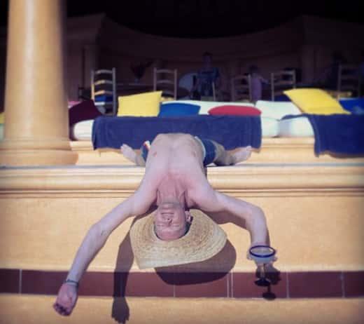 Neil Patrick Harris, Sunbathing