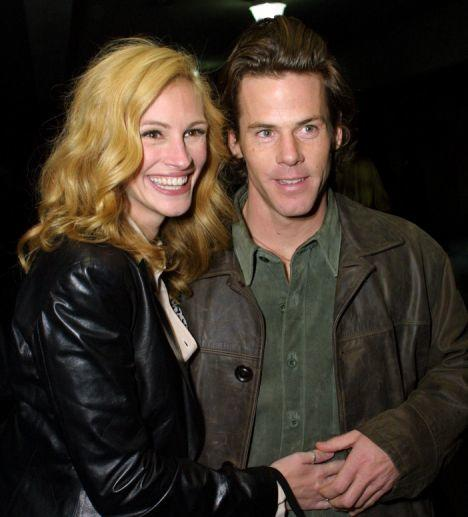 17 Celebrities Who Married Regular People The Hollywood