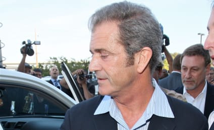 He's Back: Mel Gibson Steps Out for Apocalypto
