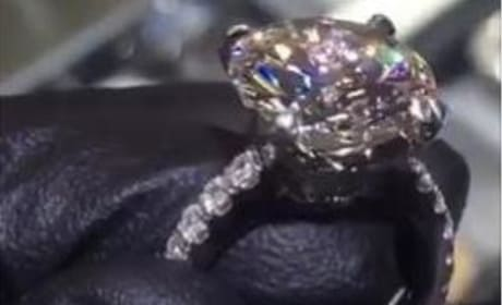 Blac Chyna: INSANE Engagement Ring From Rob Kardashian Revealed!