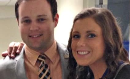 Anna Duggar: Pregnancy Confirmed By New Year's Photo?!
