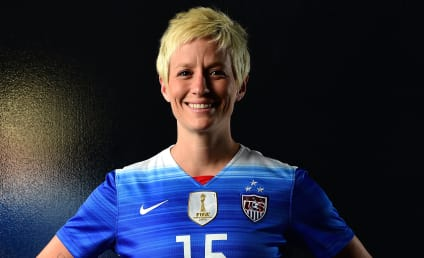 Megan Rapinoe Kneels for National Anthem, Is on Team Kaepernick