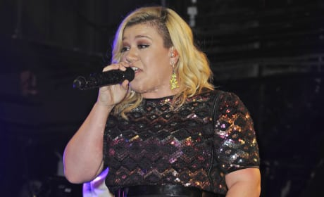 Kelly Clarkson on the Road