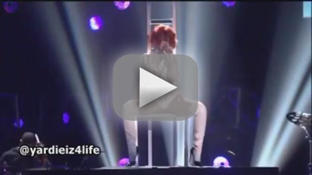 Rihanna Ft. Britney Spears - S&M (Live)