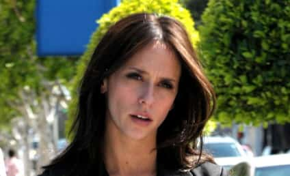 Celebrities Support Jennifer Love Hewitt