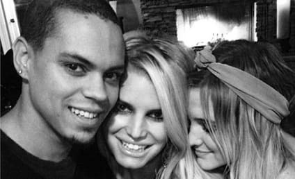 "Jessica Simpson Shares ""Family Moment"" with Sister, Evan Ross"