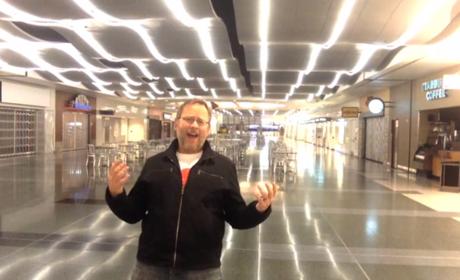 "Man Films ""All By Myself"" Video at Las Vegas Airport"
