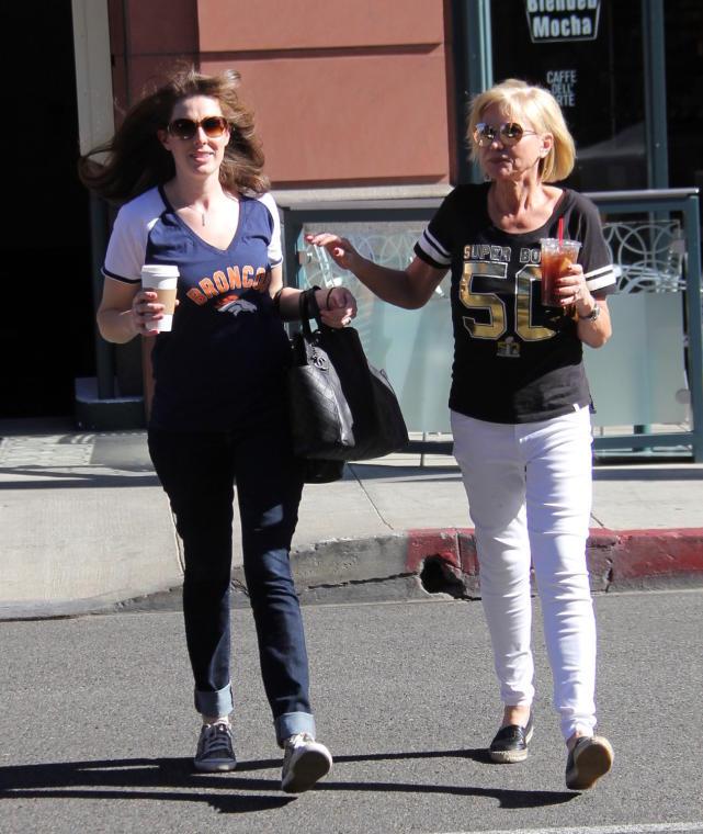 Yolanda Foster Grabs An Iced Drink In Beverly Hills
