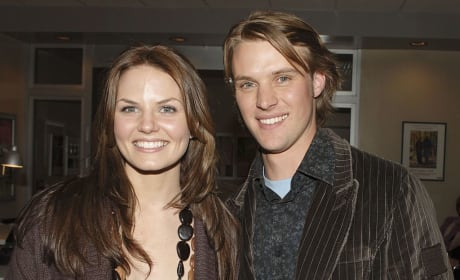 Jennifer Morrison and Jesse Spencer Photo